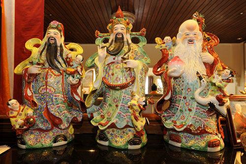 20140206012802196 Cách trưng bày tượng ba vị thần Phúc, Lộc, Thọ đúng nhất